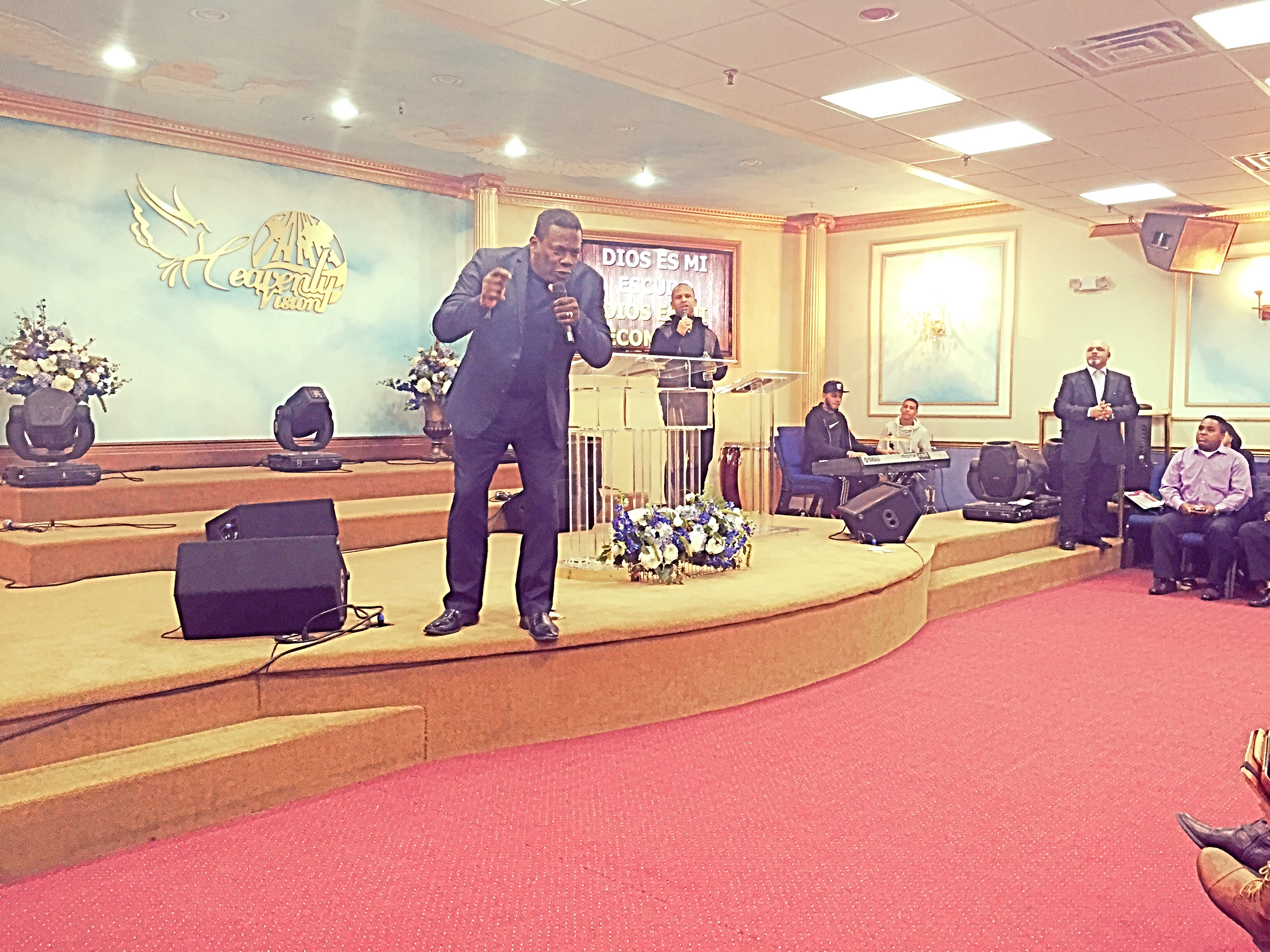 Apostle Marcelino Sojo preaching in the annual leader's retreat